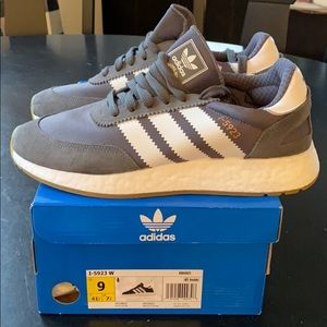 Adidas brand new women's sneakers. Size 9.